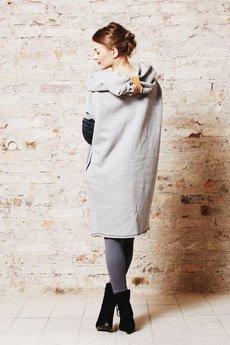 NUBEE - Bluza w formie płaszcza- dzianiowa z ogromnym kapturem na surowo