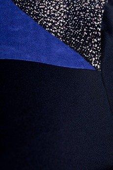 - Bluzka z kobaltową wstawką