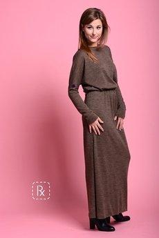 - Px 15. Czekoladowa wełniana sukienka z otwartymi plecami