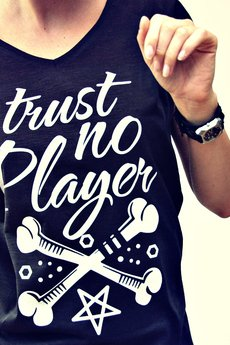 DON'T NEED NO SAMURAI - TRUST NO PLAYER