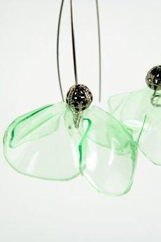 ekoista - Jasnozielone kolczyki ekologiczne - kwiatki