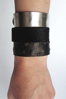 Mikashka - Komplet trzech bransolet skórzanych struś