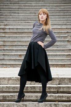 MADE LINE - Fantazyjna spódnica z wydłużonym tyłem.