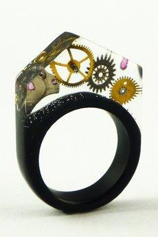- Żywicowy pierścień zegarkowy