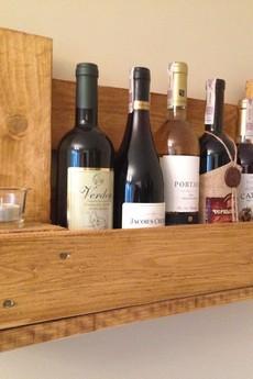 - Wieszak na wino ,,Mini Wine''