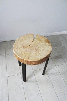 - STOLIK/STOŁEK z plastra drewna