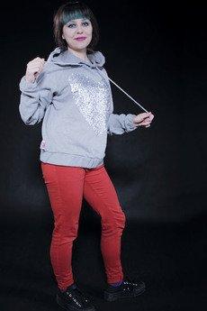 - Bling bling! Dresowa bluza z cekinami