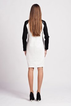 - Dress with contrasting sleeves  - SUK 108