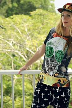 - T-shirt SKULL with green eyes