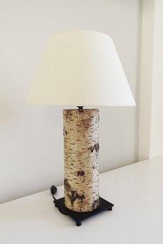 - Lampka nocna z pnia brzozy.