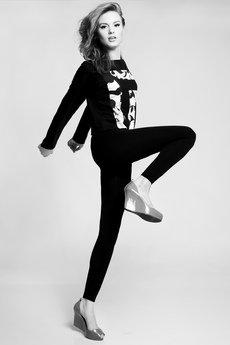 Luiza Kimak - Bluzka z długim rękawem z czarno-białymi wstawkami