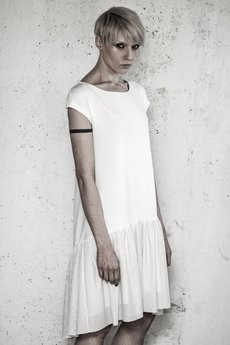 - LOLA offwhite jersey dress