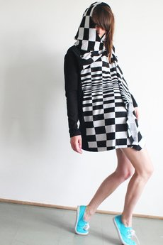 - CHECKERED Long Hoodie