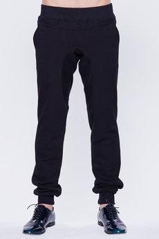 - Spodnie dresowe