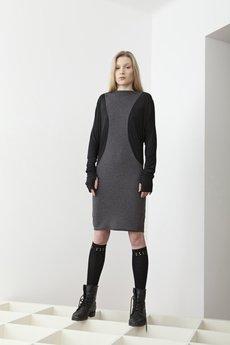 - Sukienka
