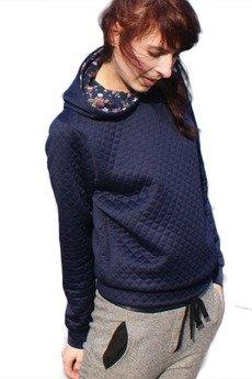- pikowana bluza z kapturem