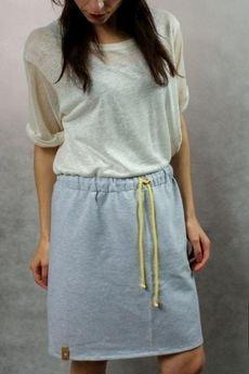 - dresowa spódnica