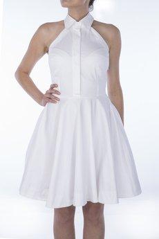 - Biała sukienka z kołnierzykiem