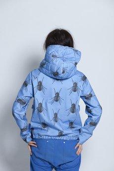 w kropki - MUCHY Pikowana bluza w muchy NIEBIESKA