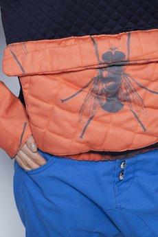 w kropki - MUCHY Pikowana bluza w muchy POMARAŃCZOWA