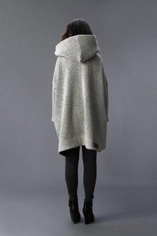 NUBEE - NUBEE - ASYMMETRY HOOD płaszcz swetrowy