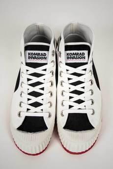 - KOMRAD INVASION, model: Partizan Black