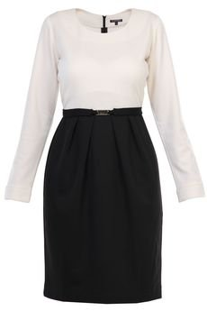 - Sukienka ołówkowa z zakładkami