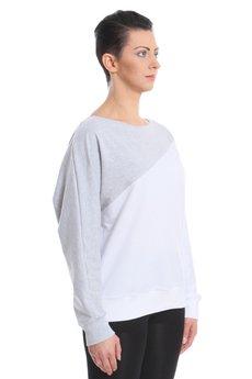 - Dwukolorowa bluza.