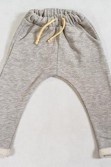 Gapula - Spodenki proste ze sznureczkiem.