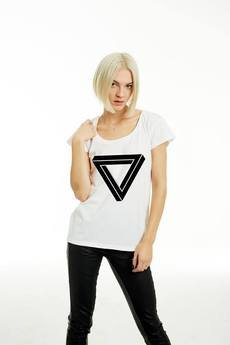 NAOKO - T-SHIRT Triangle black