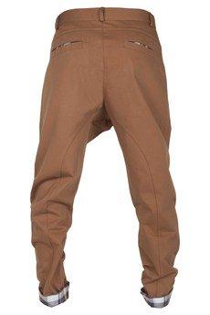 MADOX design - spodnie madoxy brązowe z kratą brązową