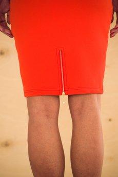 - Ołówkowa spódnica.