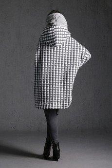 NUBEE - NUBEE - ASYMMETRY HOOD - Płaszcz dzianina swetrowa