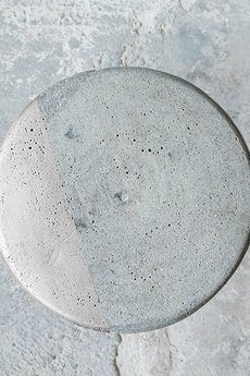 Kolorum - SREBRNY BETONOWY STOLIK KONKRET