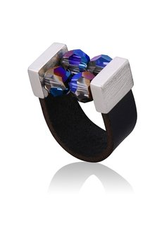 Joccos Design - Small Cocktail Ring with Crystals 08