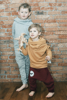 Loose Moose- fashion for Loose kids - spodnie Gray For A Day bordowe