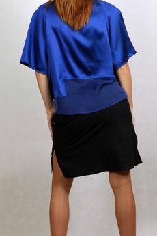 - Niebieska bluzka