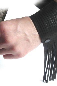 Fringe cuff czarna 3