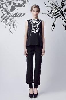 Luiza Kimak - Lejąca bluzka z nadrukiem przy dekolcie