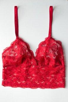 - Czerwony koronkowy top