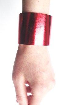 Czerwona metallic mankiet 3