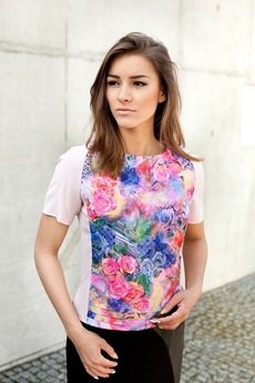 - Bluzka kwiaty