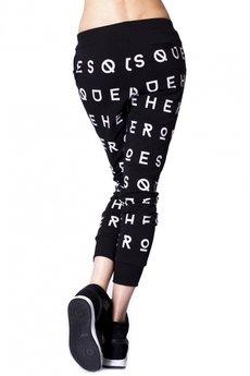 Spodnie w litery czarne 3