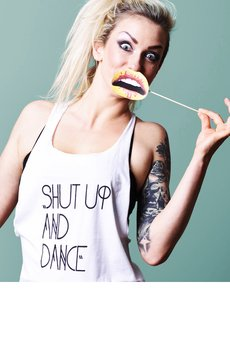Shut up and dance szara brain inside najmniejsze  mustache