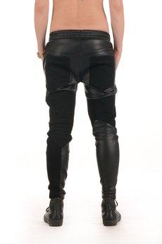- Spodnie skórzane  - dresowe wstawki.