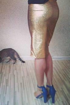 Not Anyone - Złota spódnica ołówkowa