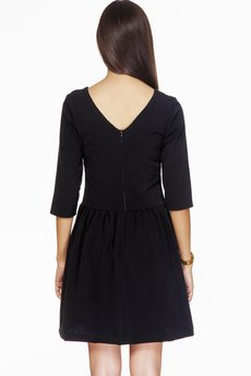 ABG - Czarna sukienka ze zdobionym dekoltem