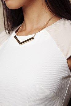 ABG - Kremowa sukienka z beżowymi rękawkami
