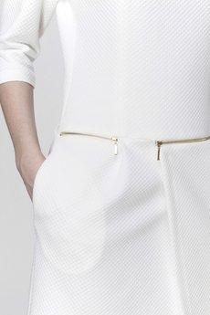 ABG - Kremowa sukienka z zamkami w pasie