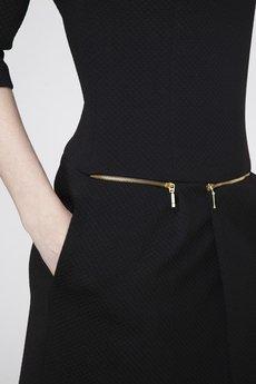 ABG - Czarna sukienka z zamkami w pasie